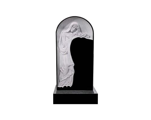 Гранитный памятник Скорбящая мать в Арке