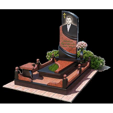 Мемориальный комплекс комбинированный из двух цветов гранита
