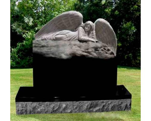 Гранитный памятник с лежащим Ангелом sp01605