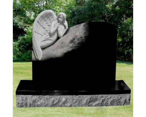 Памятник из гранита Ангел в облаках sp01613