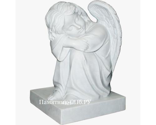 Ангел мальчик из мрамора