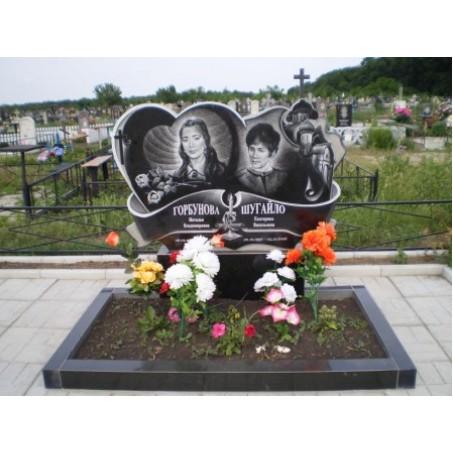 Фигурный семейный памятник