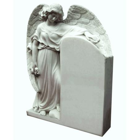Резной памятник на могилу Под Крылом Ангела