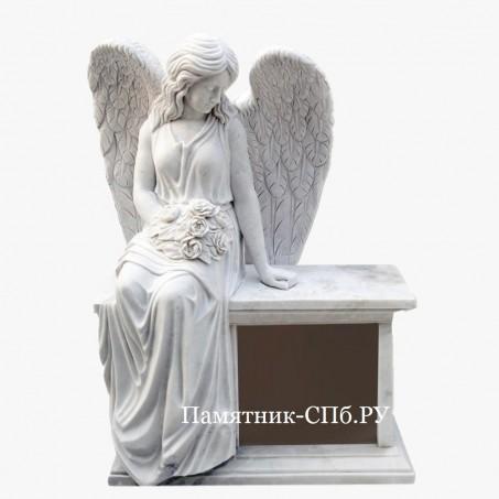 Скульптура-памятник ангел из мрамора
